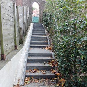Bestrating en aanleg trap